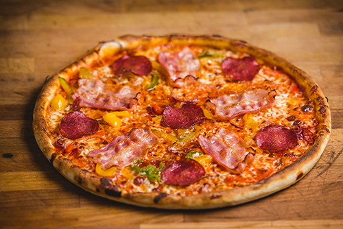 Hungarian lactose-free pizza